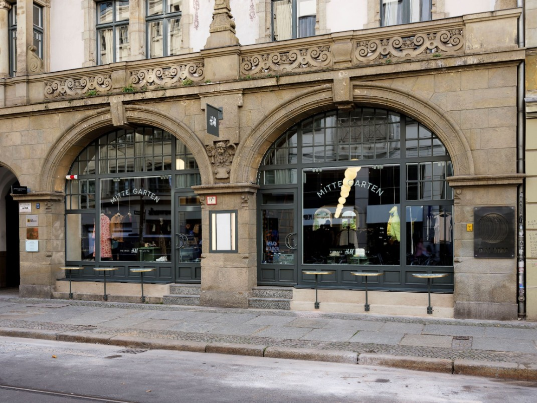 H M Opens Its First Hyper Local Flagship Store In Berlin