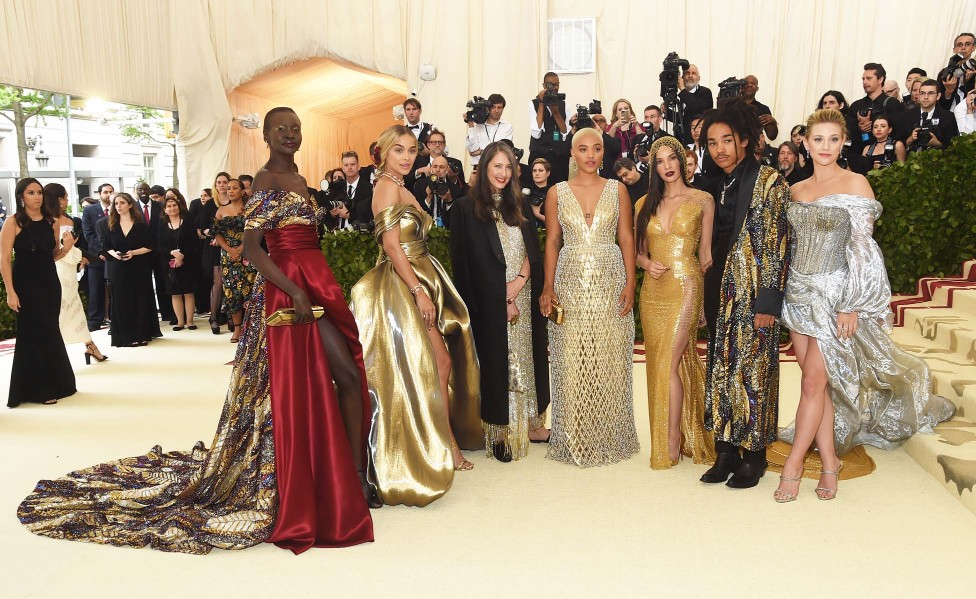 H&M AT THE MET GALA: CUSTOM GOWNS FOR FASHION\'S BIGGEST NIGHT